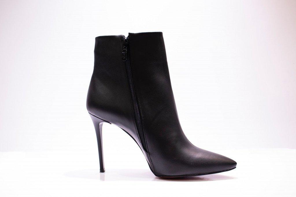 Black Pin Heels