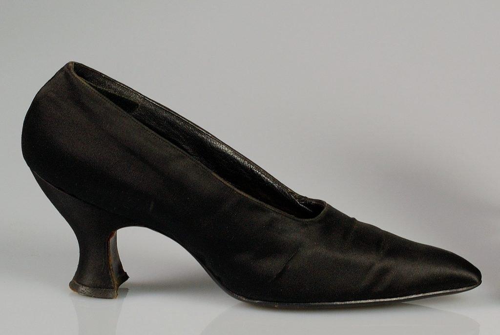 Black Spool Heel